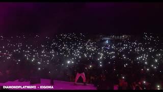 Diamond Performing Ntampata Wapi On 10Years Of DiamondPlatnumz Concert