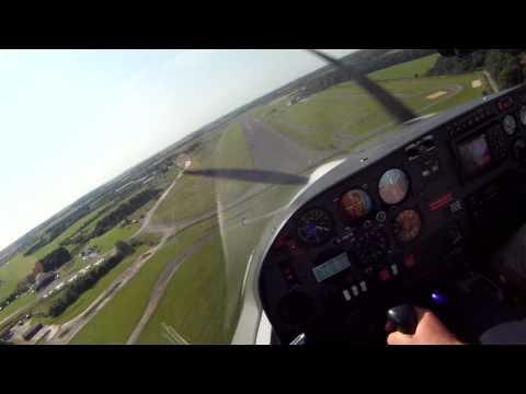 HK36 Super Dimona Landing at Enstone Aerodrome