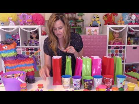 Pinata Birthday Party Gift Bags * Amy Jo DIY Toys & Candy Surprise Video