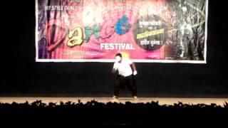 Akshay Kulkarni solo mime act performance