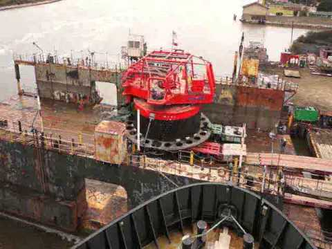 Shipyard Loads Bouy on drydock timelapse