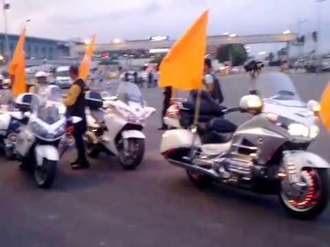 siêu xe mô tô khủng- đoàn dẹp đường cho obama 2016- Đội siêu xe moto Hà Nội đón đoàn mancity