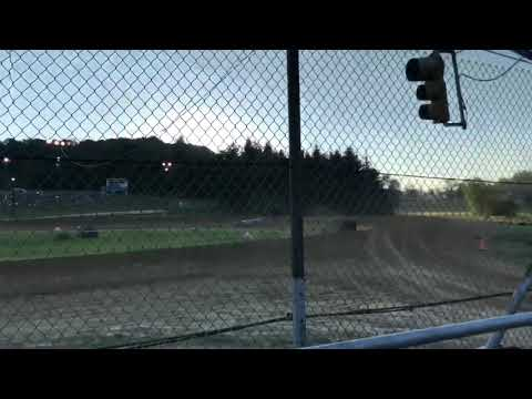 Qualifying. - dirt track racing video image