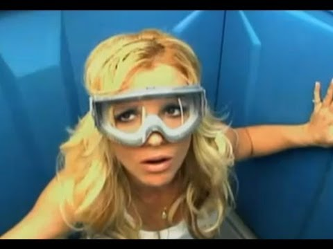 Britney Spears - Poo Cocktail Supreme [Jackass 3D, Deleted Scenes] HD