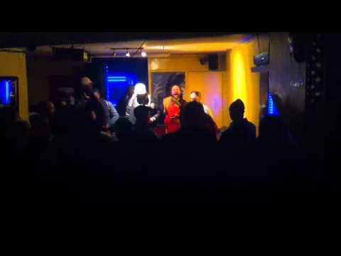 Chuck Fender Live at The Queens Head Bristol