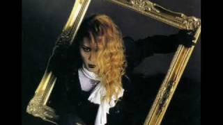 In my opinion, Malice Mizer's best song. Kirei na hana o utsushikag...