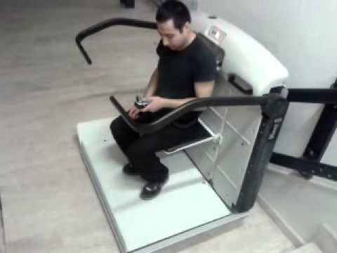 Plataforma salvaescaleras para silla de ruedas youtube for Plataforma para silla de ruedas