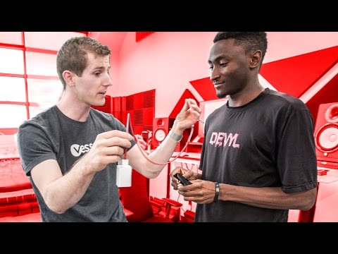 Thumbnail: EXPOSING MKBHD'S FAKE VIDEOS (Studio Tour)
