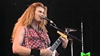 Repeat youtube video Megadeth - Symphony Of Destruction (Live 1992)