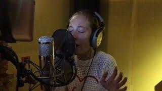 Baixar Lady Gaga ft. Bradley Cooper - Shallow cover by LeniStar