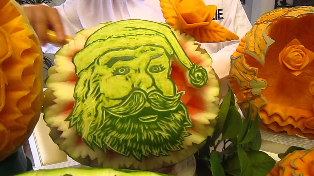 Charlie yan fruit vegetable carving display and