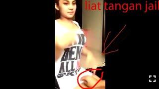 Video Tangan jail.. Cewe sexy rok mini beraksi.. download MP3, 3GP, MP4, WEBM, AVI, FLV Oktober 2018