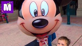 Париж День 1 Диснейленд погуляем катаемся на поезде и лодке купим шарик Disneyland Park Paris(1 Диснейленд Парк (Франция) завтракаем в отеле и зайдём в магазин Дисней в отеле! Едем в парк на автобусе..., 2015-09-18T19:54:34.000Z)