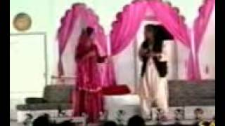 Sikander sanam singing beautiful song stage show