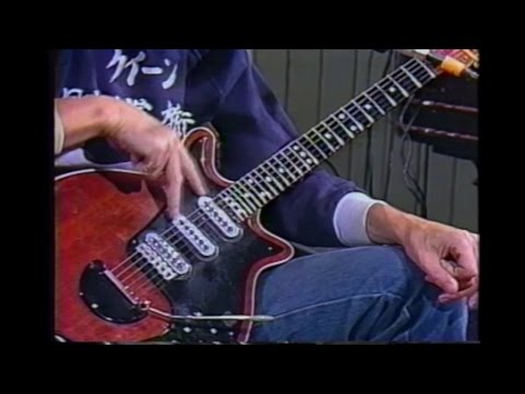 Queen - Somebody To Love - Guitar Tutorial by Brian May - YouTube