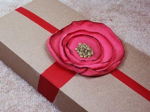 Manualidades reciclaje flor de tela y caja de regalo por - Manualidades para regalos ...