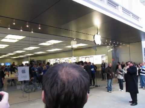 Perth Apple Store Opening
