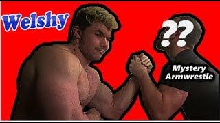 Huge Bodybuilder Arm wrestle