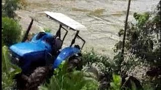 LIVE TRACTOR ACCIDENT 2018