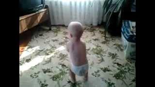 РЕБЕНОК ТАНЦУЕТ ТЕКТОНИК!(племянник. 1,5 года на видео., 2012-10-16T11:42:35.000Z)
