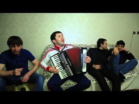 Шамиль Ханакаев на гармошке