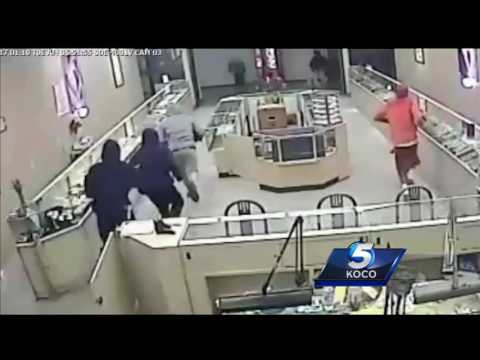 Five caught on camera robbing OKC jewelry store