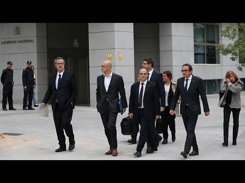 Spain's state prosecutor asks judge to jail Catalan secessionist leaders pending investigation