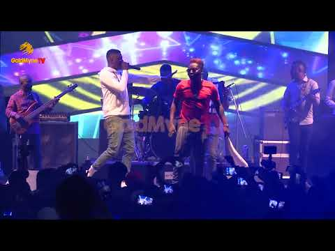"""REEKADO BANKS' PERFORMS """"JEJE"""" WITH LIVE BAND AT COOL BREEZE PARTY UNILAG"""