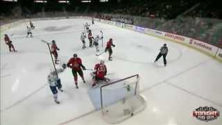 Leo Komarov snaps wrist shot past Hammond