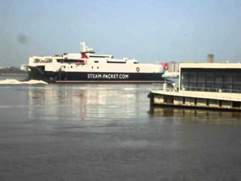 ISLE OF MAN SEACAT DEPARTS LIVERPOOL MAY 2012.AVI