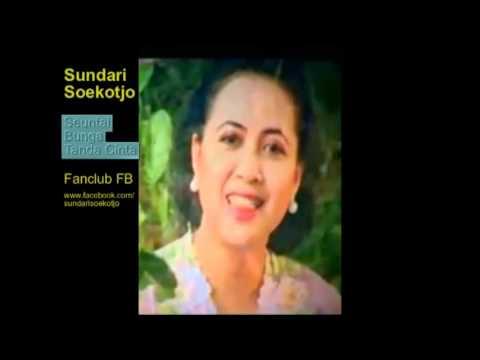 Seuntai Bunga Tanda Cinta -  Sundari Soekotjo