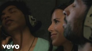 Смотреть клип Camila, Wanessa Camargo - Abrázame / Me Abracé
