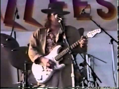 Stevie Ray Vaughn - New Orleans Jazz And Heritage Festival 1990 (FULL)