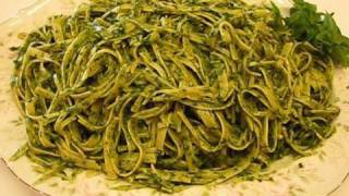 Betty's Spinach-pesto Fettuccine