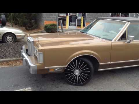 The First Lincoln Town Car On 32s By M0bster32s
