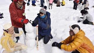"""竹山純(岡田将生)の提案で、町おこしとして""""1時間で作るスノーマン(雪..."""