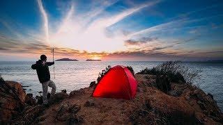 봄을 맞이하며 섬 해안절벽에서 백패킹 | 장소는 안알랴줌