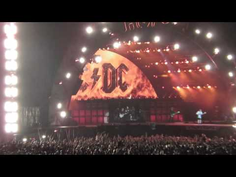 HIGH WAY TO HELL Acdc Brisbane 2015