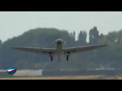 Démonstration SuperMarine Seafire Le Bourget 2011