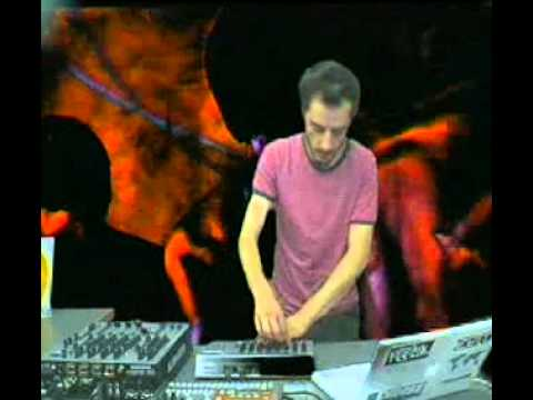 Touane @ RTS.FM Studio - 09.07.2009: Live (VJ Mix by De Mantra)