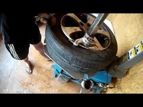 Проколол гвоздем. Ремонт бескамерных шин (MAZDA 626)