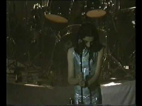 PJ Harvey Teclo / Long Time Coming live @ Kentish Town Forum, London May 11th 1995 mp3