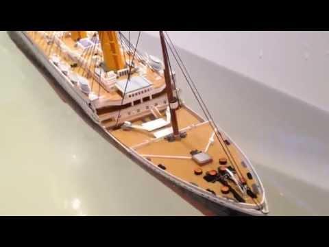 RMS Titanic Revell 1:400 SINKING