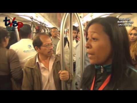 Vendedores en el Metro de Caracas