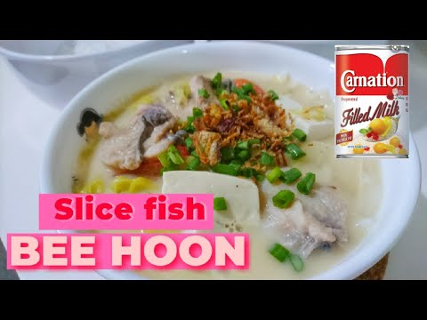 SLICE FISH BEE HOON SOUP NOODLES WITH MILK //THE FAMOUS SLICE FISH NOODLES IN SINGAPORE STREET