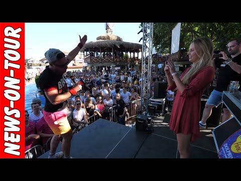 Lorenz Büffel (4k) mit Freundin Carolina Noeding ´Hinsetzten´ Johnny Däpp #BulleALARM Megapark