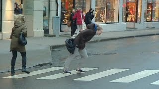 Norway: Christmas storm blows people around - no comment