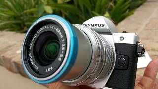 Close Up Olympus OM-D E-M10 Mark II Mirrorless Camera with 14-42mm Lens Silver Full HD 2017