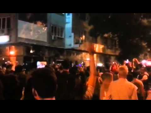 #Macedonia protests - Demolishing of President Ivanov's office downtown Skopje