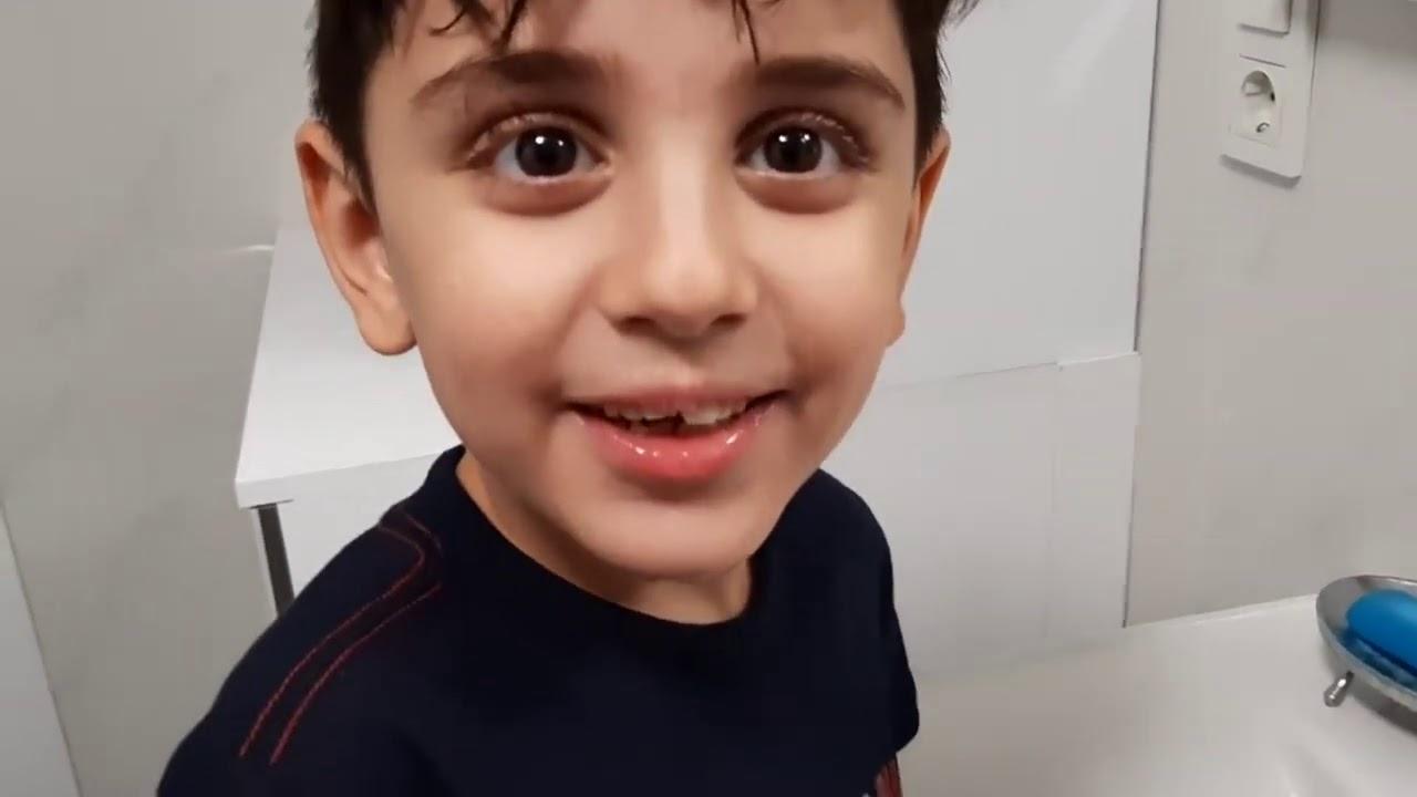 Sıla  Mira Yeni Diş Fırçası Ve Diş Macunu İle Dişlerini Fırçaladı-Eğlenceli çocuk videosu
